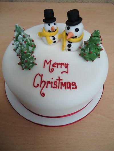 ellenborough park - British Christmas Cake Decorations