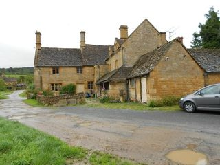 Wood-stanway-farmhouse